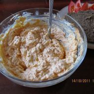 Fotografie receptu: Mrkvová pomazánka s česnekem Mashed Potatoes, Oatmeal, Food And Drink, Cheese, Breakfast, Ethnic Recipes, Czech Food, Pizza, Garlic