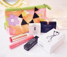 Win #Beauty goodies ^_^ http://www.pintalabios.info/en/fashion_giveaways/view/en/1872 #International #MakeUp #bbloggers #Giveaway
