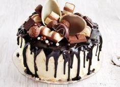 Ciasto Kinder Country, czyli cztery razy czekolada - przepis ze Smaker.pl Chocolate Cake Designs, Chocolate Desserts, Peanut Cake, Yummy Treats, Yummy Food, Baby Girl Cakes, Drip Cakes, Food Cakes, How To Make Cake