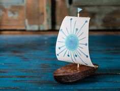 Hey, I found this really awesome Etsy listing at https://www.etsy.com/ru/listing/286923527/blue-sun-wooden-boat-handmade-sailboat