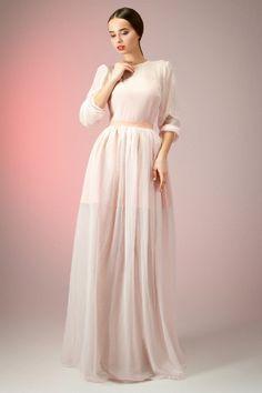 Длинное вечернее платье с застежкой на спинке от Ksenija Andress
