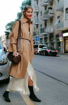 Julie Pelipas steps out in an effortless look that makes any rainy day chic.