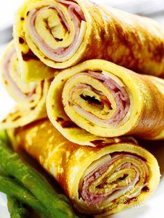 Rolls omelet with ham and fontina cheese - I Rotolini di frittata con prosciutto cotto e fontina, veloci e saporiti, risolvono una cena all'ultimo minuto e sono adatti per una festa o un buffet! #frittataprosciuttocotto #frittatafontina