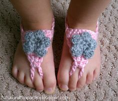 60+ Adorable and FREE Crochet Baby Sandals Patterns --> Crochet Barefoot Sandals