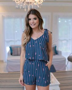 Sumer. Cute. Casual Dress Outfits, Fashion Dresses, Fashion Details, Look Fashion, Glamour, Types Of Fashion Styles, Short Skirts, Instagram Fashion, Casual Looks