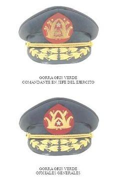 Gorras de plato de servicio de generales del Ejército de Chile / Chilean Army general officers' service uniform visor caps.