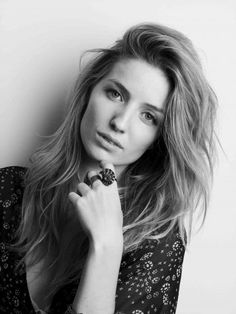 Annabelle Wallis | United Agents