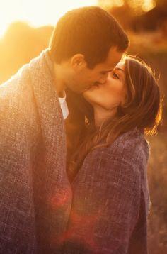 Gibt es was Schöneres als einen Kuss? Diese Küsse solltet ihr auf jeden Fall mal erlebt haben: http://www.gofeminin.de/leidenschaft/die-schonsten-kusse-s1608325.html
