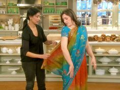 Watch Martha Stewart's How to Tie a Sari Video. Get more step-by-step instructions and how to's from Martha Stewart. Ayesha Patel demonstrates how to properly tie a sari. Gs World, Daisy Girl Scouts, Boy Scouts, Around The World Theme, Girl Scout Juniors, World Thinking Day, Sari Dress, Wedding Sari, Brownie Girl Scouts