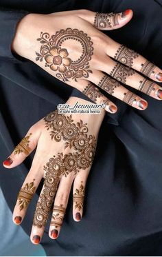 Modern Henna Designs, Floral Henna Designs, Latest Bridal Mehndi Designs, Simple Arabic Mehndi Designs, Mehndi Designs For Beginners, Beautiful Henna Designs, Latest Mehndi, Henna Tattoo Designs, Stylish Mehndi Designs