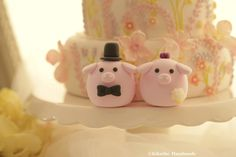 https://flic.kr/p/Aq67wu | Pig and Piget MochiEgg wedding cake topper | www.etsy.com/listing/226806972/pig-and-piget-wedding-cake...