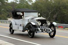 Rolls Royce – One Stop Classic Car News & Tips Rolls Royce Black, Rolls Royce Cars, Retro Cars, Vintage Cars, Antique Cars, Vintage Rolls Royce, Best Classic Cars, Expensive Cars, Car Car