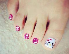 Hello Kitty toe Nails!