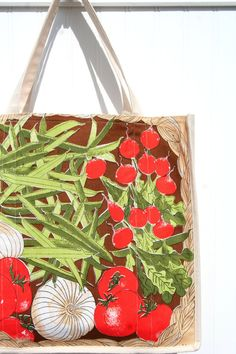Vegetables Marketing Bag - Vera Neumann Linen - Farmers Market Tote from www.JiggetyPig.etsy.com