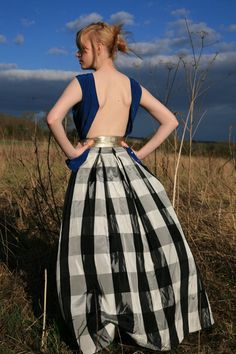 Maxi gingham skirt - Must find a pattern and make this.