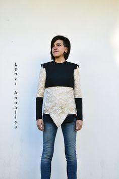 Maglia bicolor in tessuto scuba e tessuto barocco. Per informazioni sulle mie creazioni: info@annalisalenzi.com