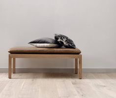The PERFECT footstool for the style conscious! Meet our REUBEN footstool IDEAL for any room but looks amazing at the end of a bed!  by @reuben_gates  #footstool #contemporary #leather #timber #style #interiors #furniture #madeinmelbourne #trending #bedroom by heatherlydesignbedheads