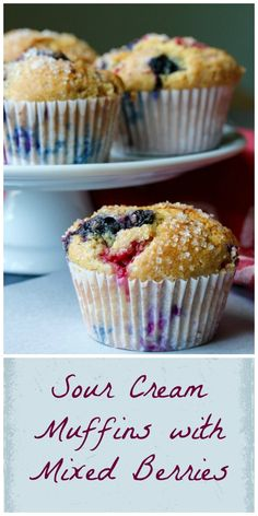 """- Sour Cream Muffins with Mixed Berries - """"stiff"""" batter who keeps berries floating, using demerara sugar ontop? Sour Cream Biscuits, Sour Cream Muffins, Sour Cream Banana Bread, Sour Cream Cookies, Sour Cream Pound Cake, Fruit Recipes, Baking Recipes, Cookie Recipes, Snack Recipes"""