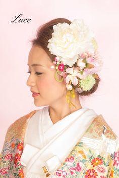 最新和装ヘアスタイル♪人気の編みこみアレンジ の画像 ウェディングヘアメイクルーチェのハッピースタイル♪ Kimono Japan, Japanese Kimono, Colorful Fashion, Asian Fashion, Hair Arrange, Yukata, Hanfu, Culture, Bride