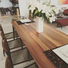 Stresa chairs by Didier Gomez and Odessa dining table by Mauro Lipparini. Live Beautifully! www.lignerosetsf.com #home #lignerosetsf #ligneroset #interior #interior4all #design #interiordesign #luxury #furniture #sanfrancisco #showroom