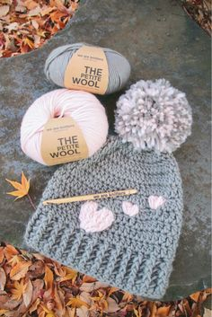 Crochet hat - DIY - We will show you how to knit this cute hat that . - Crochet hat – DIY – We will show you how to knit this cute hat that spreads a lot of love. Crochet Diy, Crochet Crafts, Sewing Crafts, Beanie Diy, Diy Hat, Crochet Beanie, Cute Beanies, Cute Hats, Easy Knitting Projects