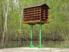 Taubenhaus - dovecoat Bird Feeders, Outdoor Decor, Home Decor, Rustic Furniture, Pigeon, Carpentry, Homes, Homemade Home Decor, Decoration Home
