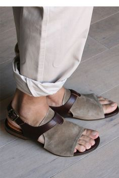 Requirements to wear these sandals:  Your feet must be impeccable and as smooth as a baby's bottom.  Violators will be arrested on the spot.  sandals chiemihara