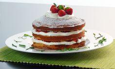YOLANDA | Recetas | Repostería | Tarta de nata y fresas sin huevo