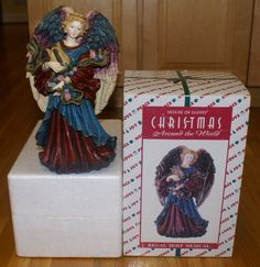 House of Lloyd Amazing Grace Musical Angel Figurine - Christmas Around the World #HouseofLloyd