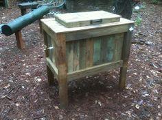 Rustic Cooler. ☀CQ #backyard #outdoors   http://www.pinterest.com/CoronaQueen/outdoor-living-alternatives/