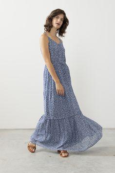 Blauwe maxi jurk met bloemenprint - Dames   Sissy-Boy Sissy Boys, Fashion Prints, Fashion Design, Spring Summer, Outfits, Dresses, Vestidos, Suits, The Dress