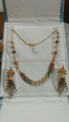 Fancy Jewellery, Bead Jewellery, Beaded Jewelry, Indian Jewelry Sets, India Jewelry, Gold Earrings Designs, Necklace Designs, Gold Jewelry Simple, Jewelry Patterns