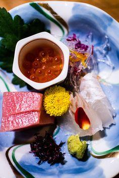 Fresh tuna and salmon roe sashimi—wintertime favorites in Japan