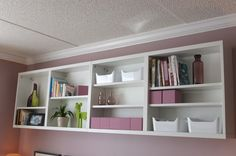 To highlight personal items, photos, and keep books nearby – a shallow BESTA storage combination was a great fit for the Marshalleck family.