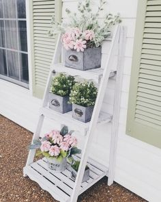 Outdoor ladder spring summer plants faux plants farm house style front porch decor make it with Michael's Ltd commodities Diy Exterior, Exterior Design, Exterior Decoration, Balcony Decoration, Colonial Exterior, Exterior Stairs, Cottage Exterior, Exterior Makeover, Exterior Siding