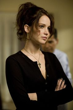 "Jennifer Lawrence in ""Silver Linings Playbook"". We just loved both Jennifer Lawrence's and Bradley Cooper's performance in the movie Silver Linings Playbook! Pelo Jennifer Lawrence, Jennifer Lawrence Movies, Jennifer Lawrence Hunger Games, Andrew Lawrence, Happiness Therapy, Silver Linings, Jessica Chastain, Hair Transformation, Shows"