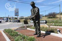 Inaugurado monumento de homenagem aos Hortelões | Portal Elvasnews