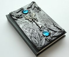 DISPLAY ITEM. Gothic sketchbook - Secret key - journal - polymer clay - fantasy steampunk gothic lolita blank - skeleton key