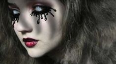 DIY Dripping Mascara Lashes