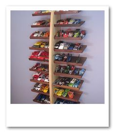 1000 images about rangement voitures on pinterest hot wheels display case and hot wheels display. Black Bedroom Furniture Sets. Home Design Ideas