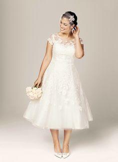 Brides: 35 Stylish, Affordable, and Flattering Plus-Size Wedding Dresses