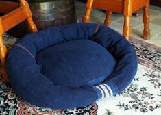 All Things Crafty: DIY Dog or Cat Beds - Made from Old Sweatshirt and Other Things Around the Home