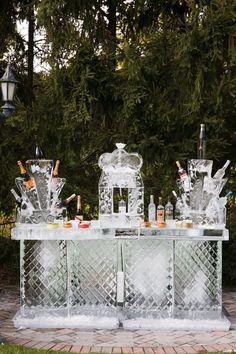 La mesa de hielo, también conservará las bebidas en su punto