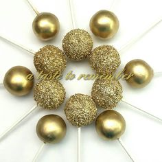 Gold and textured gold cake pops(Chocolate Strawberries Gold) Wedding Cake Pops, Wedding Cakes, No Bake Cake Pops, Hollywood Birthday Parties, Sweet 16 Masquerade, Golden Birthday, 60th Birthday, 50th Wedding Anniversary, Anniversary Parties