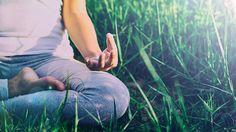 O período da manhã é o melhor momento para a meditação, uma vez que ajuda a prepará-lo para começar um novo dia completamente estimu...
