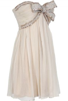 Cream Chiffon Dress With Sequin Bow//