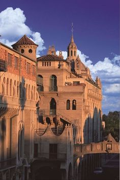 Mission Inn, California: Part of an eclectic roundup of fascinating and beautiful historical US hotels...