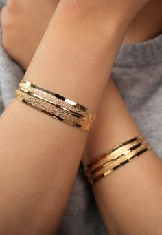 Gold Plated Bracelets/Gold Bracelet/ Gold Cuff/ by SusVintage Gold Bangles Design, Gold Jewellery Design, Gold Bangles For Women, Bijoux Design, Schmuck Design, Indian Jewelry Sets, Indian Bangles, Gold Jewelry Simple, Gold Plated Bracelets