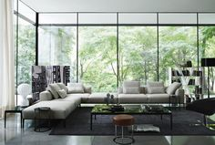 Sofa: MICHEL EFFE - Collection: B&B ITALIA - Design: Antonio Citterio