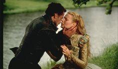 Pin for Later: Revivez en images les meilleurs baisers de cinéma récompensés aux MTV Movie Awards ! Gwyneth Paltrow et Joseph Fiennes, 1999 Gwyneth et Joseph ont gagné pour leur prestation très romantique Shakespeare in Love.